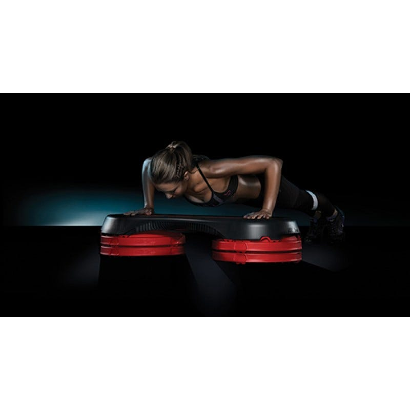 The Les Mills SMARTSTEP™ System Press-Up